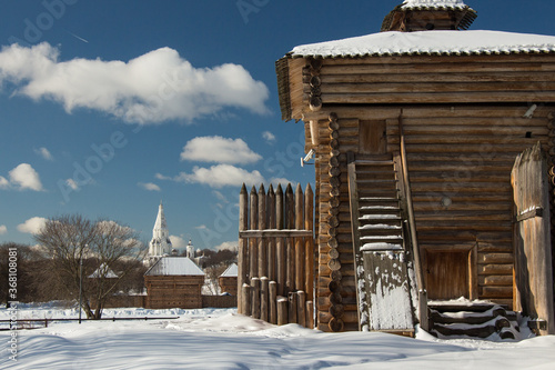 Church of the Ascension and wooden tower in Kolomenskoye park, Moscow, Russia Fototapeta
