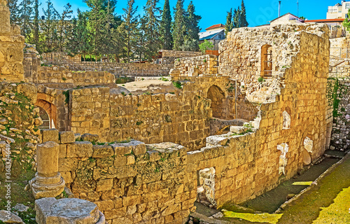 Fotomural Among the ancient ruins of Bethesda Pool site, Jerusalem, Israel