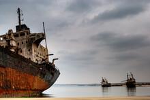 Navio Abandonado