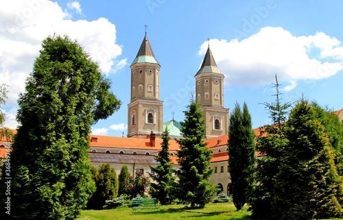 Fotografie, Obraz klasztor, benedyktyni, baszta, architektura, zamek, park, drzewo, przyroda, las,