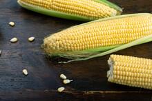 Fresh Corn On Cobs On Rustic W...