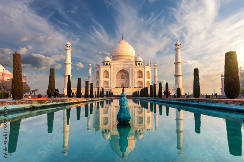 Fotografia Famous Taj Mahal, wonderful sight of India, Agra