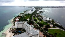 Playa Delifnes In Cancún, Dro...