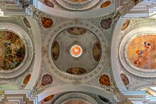 Innenraum Der Klosterkirche Von St. Mang In Füssen