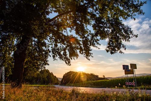 Fotografie, Obraz Sonnenuntergang in den Hügeln