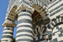 Façade Bicolore De San Michele De Murato, Corse