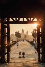 People Walk To Angkor Wat In T...