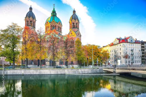 Fantastic autumn view on Saint Lucas Church (Lukas kirche), the largest Protesta Fototapet