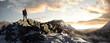 Leinwanddruck Bild - Wanderer Im winterlichen Gebirge