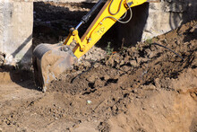The Modern Excavator JCB Perfo...