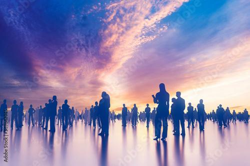 Fotografie, Obraz 印象的な夕暮れに佇む群衆のシルエット