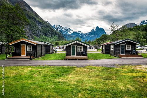 abandoned wooden cabins in campsite Tapéta, Fotótapéta