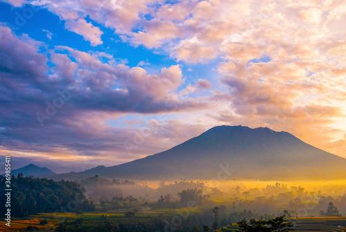 Fototapety, obrazy: sun behind gunung agung volcano. bali, indonesia