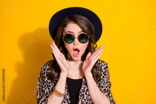 Close up photo of astonished girl impressed incredible novelty scream open mouth wear good look clothes isolated over vibrant color background