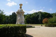 Tiergarten Berlin Mit Komponis...