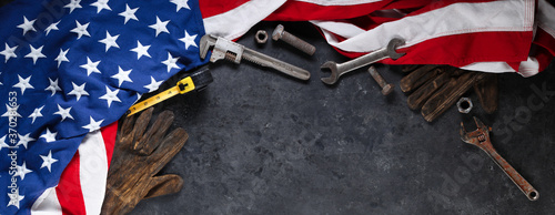 Construction and manufacturing tools with patriotic US, USA, American flag on da Fototapete