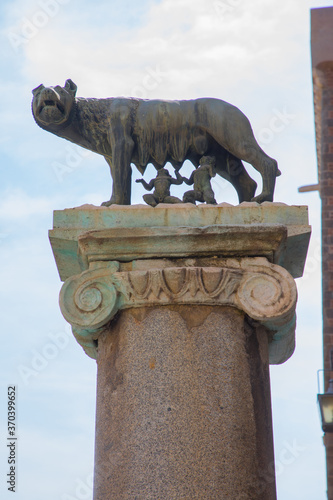 Fotografija Statue of Romulus and Remus and the she wolf, Rome, Italy