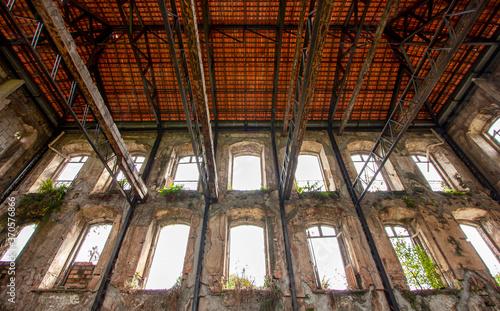 Fototapeta Estrutura do telhado e interior do Palacete Camelier, em Belém do Pará