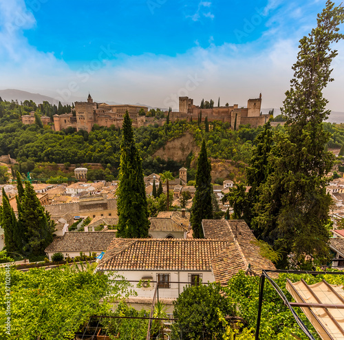 Cuadros en Lienzo A view from the Albaicin district towards the Alhambra Palace in the distance in
