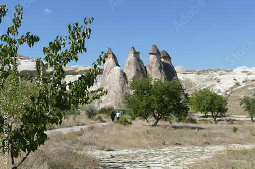 Cuadros en Lienzo Fairy chimney balanced rock formations