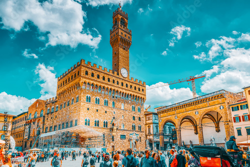 Obraz na plátně FLORENCE, ITALY- MAY 13, 2017: Palace Vecchio (Palazzo Vecchio) in Piazza della Signoria, built in 1299-1314 ,one of the most famous buildings of the city