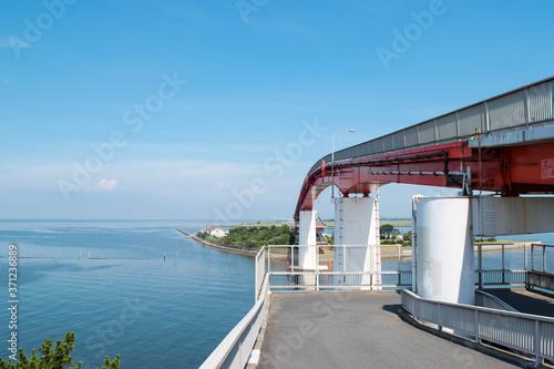 Fotografering 東京湾と海を渡る歩道橋(中の島大橋)