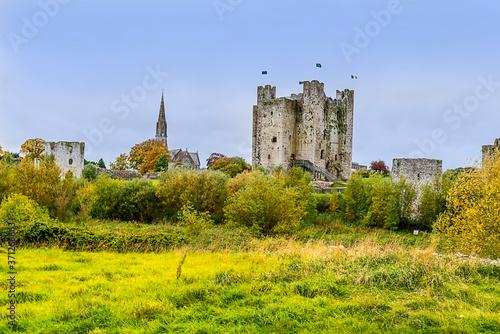Fotografia, Obraz A panoramic view of Trim, Ireland across the River Boyne