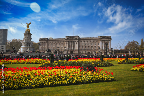 Fényképezés London, UK - April 17, 2019 - Buckingham Palace, Home of the British Queen, State Rooms and Victoria Memorial on a sunny day in London, UK