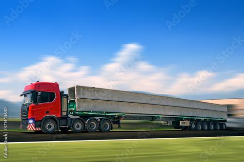 Fotografie, Obraz Camion, tir, trasporto eccezzionale. trasporti
