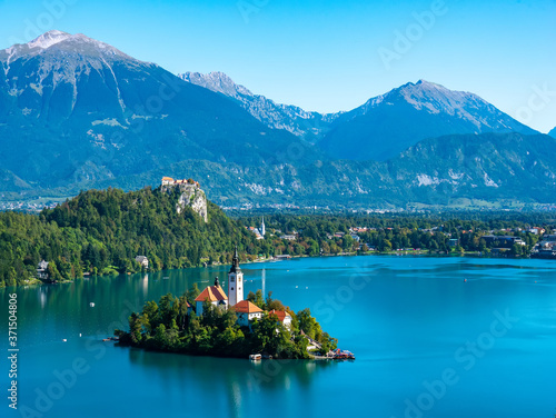 Aerial view on the Pilgrimage Church of the Assumption of Maria on the Lake Bled Fototapet