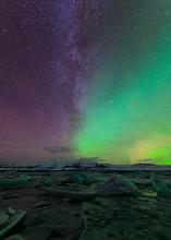 Northern Lights Over Glacier L...