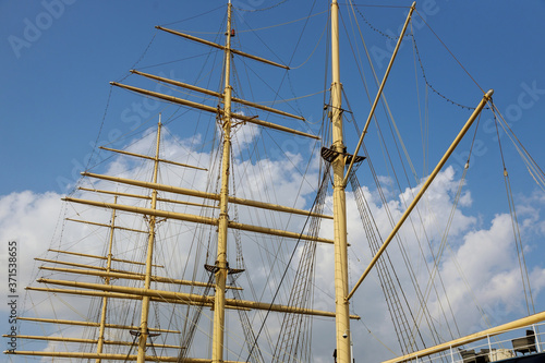 Fototapeta Bottom View of the mainmast of is the largest brigantine in the port