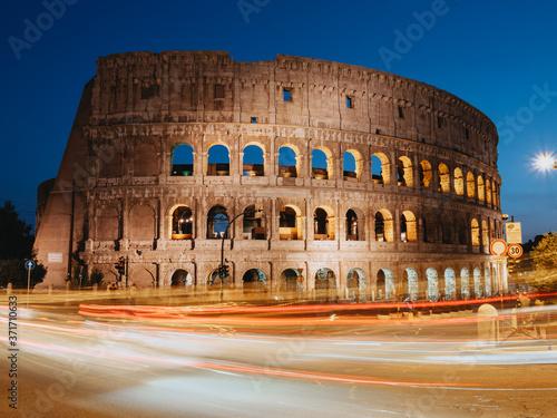 Obraz na plátne Night photography of Colosseum, Rome, Italy