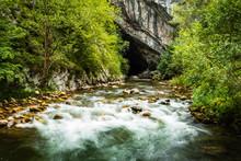 El Río Nalón A Su Paso Por E...