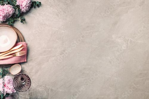 Obraz na plátně Flower arrangement on table served for festive dinner with copy space for your text, invitation