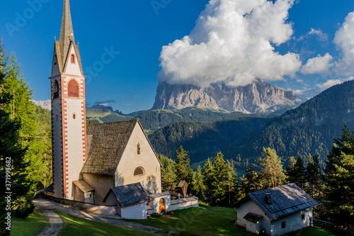 Fototapeta Erkundungstour durch das schöne Südtiroler Bergland - Südtirol/Italien