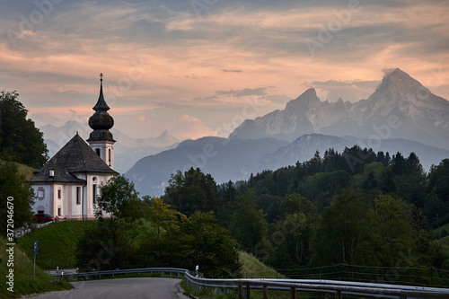 Obraz na plátně Maria Gern pilgrimage church in front of Watzmann during sunset in Berchtesgaden