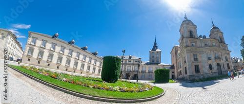 Fototapeta Panorámica del Palacio Real y de la Colegiata de La Granja de San Ildefonso (Seg