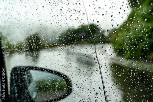 Obraz na plátně 【雨の日イメージ】車についた雨粒