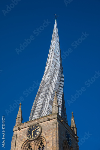 Fototapeta The twisted spire of the Church of St Mary and All Saints, Chesterfield, Derbyshire, UK obraz