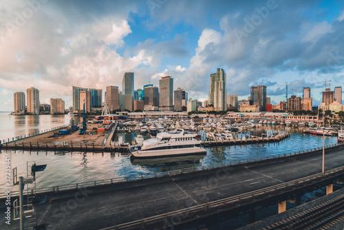 miami bridge skyline downtown  city florida usa views buildings boats Fototapete