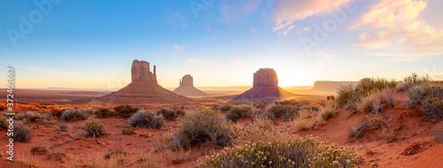 Papel de parede The unique nature landscape of Monument Valley in Utah