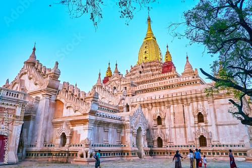 Obraz na plátně Carved decors and gilt stupa atop Ananda Temple, Bagan, Myanmar