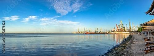 Fotografija Coast of the Azov Sea in Berdyansk, Ukraine