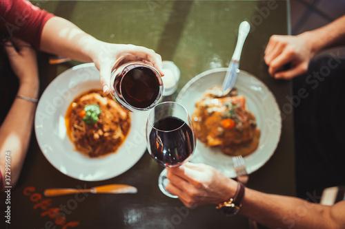 Tela vino
