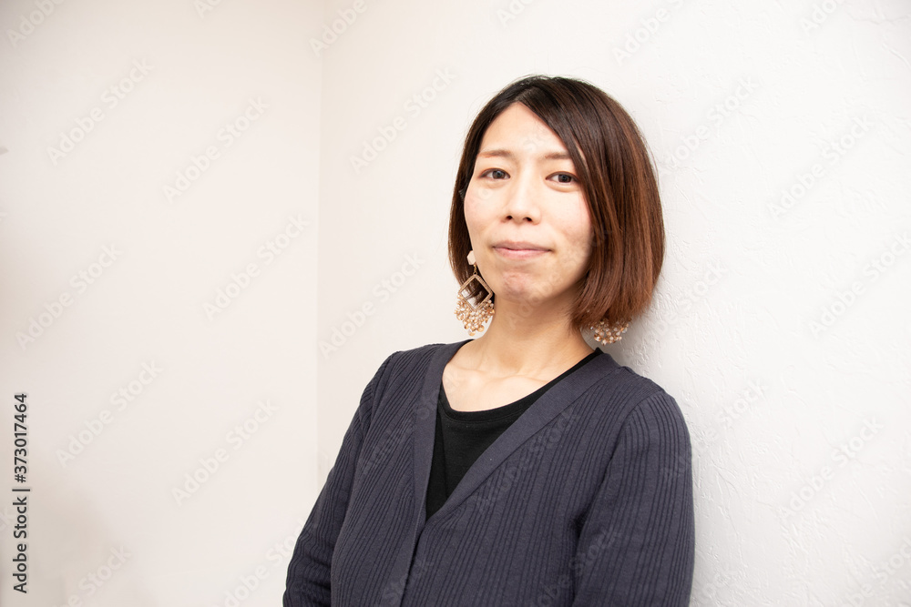 Fototapeta 女性 正面 微笑み