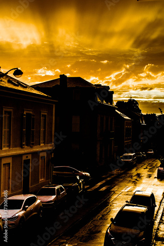 Fototapety, obrazy: Coucher du soleil à Périgueux, rue Guynemer.