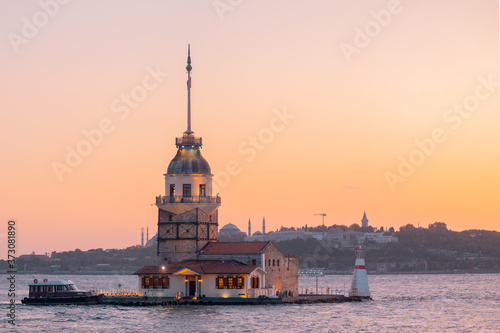 Canvastavla Istanbul view of the maiden tower, beautiful view