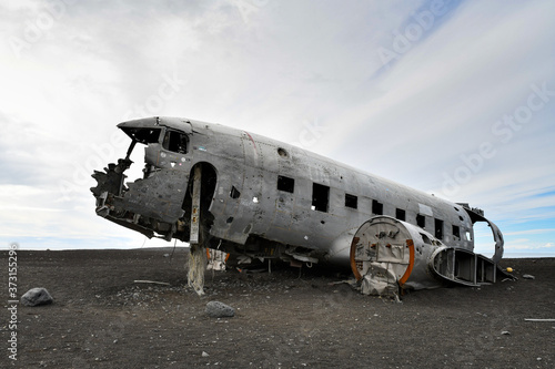 Flugzeugwrack an der Küste Islands Canvas Print