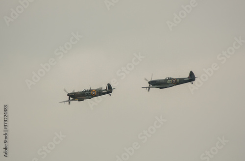 Cuadros en Lienzo A pair of Royal Air Force Supermarine Spitfires